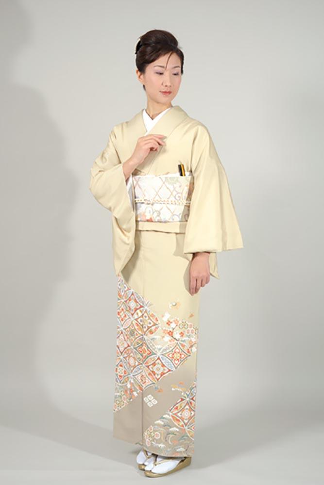 【高級色留袖レンタル】i-102 ベージュ系 七宝 Mサイズ 七宝