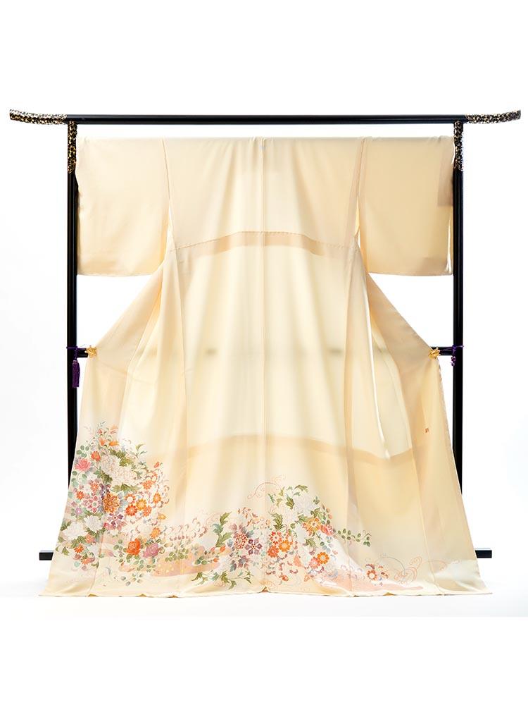 【高級色留袖レンタル】I-151 淡いクリーム 草花 XOサイズ 草花