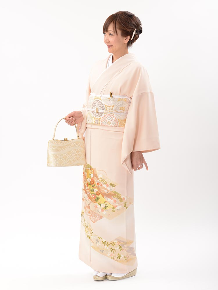 【高級色留袖レンタル】I-621 やわらかいピンク 四季の花 MLサイズ 四季の花