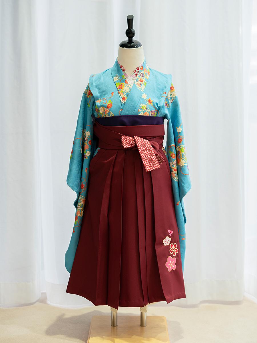 【卒園式向けの高級正絹着物と袴レンタル】水色ベースの着物。品番:7-102-hakama
