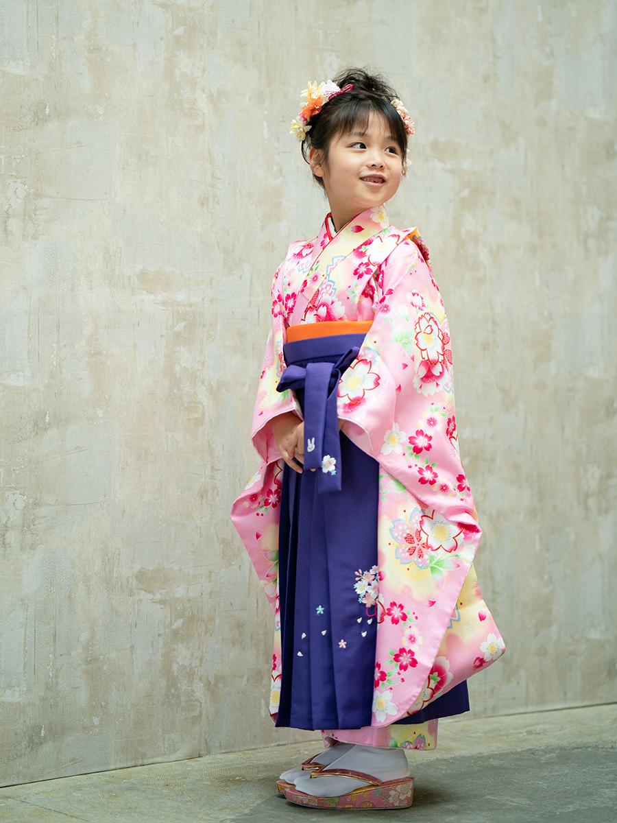 【卒園式向けの着物と袴レンタル】桜柄のピンク色きもの。品番:7-203