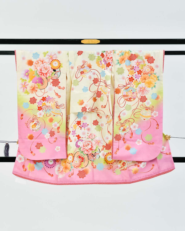 【七五三の7歳着物レンタル】クリームとピンク系の可愛らしい着物