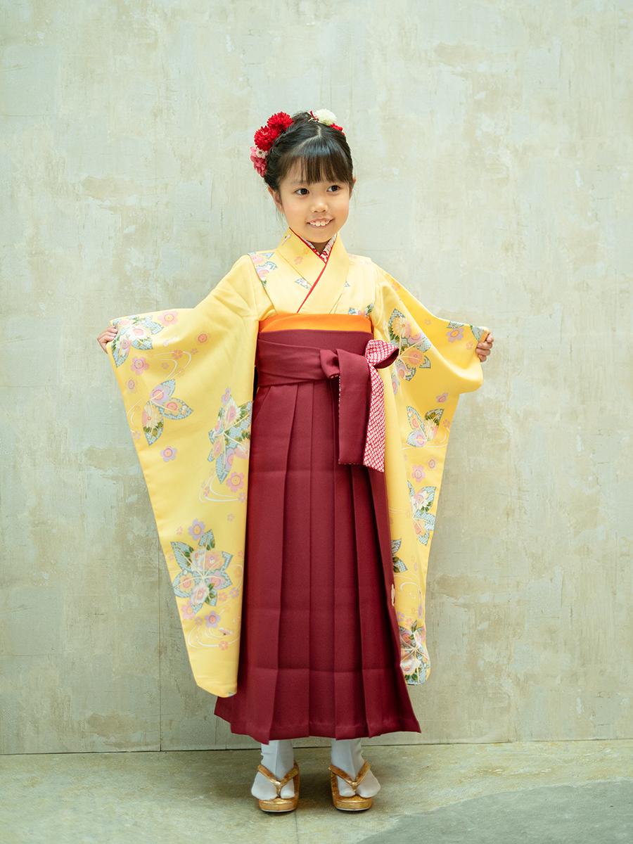 【卒園式向けの着物と袴レンタル】濃い黄色のきもの。品番:7-206
