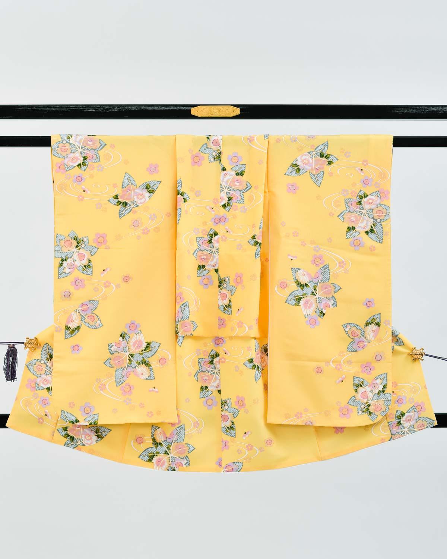 【七五三の7歳着物レンタル】黄色の地色に楓と桜柄