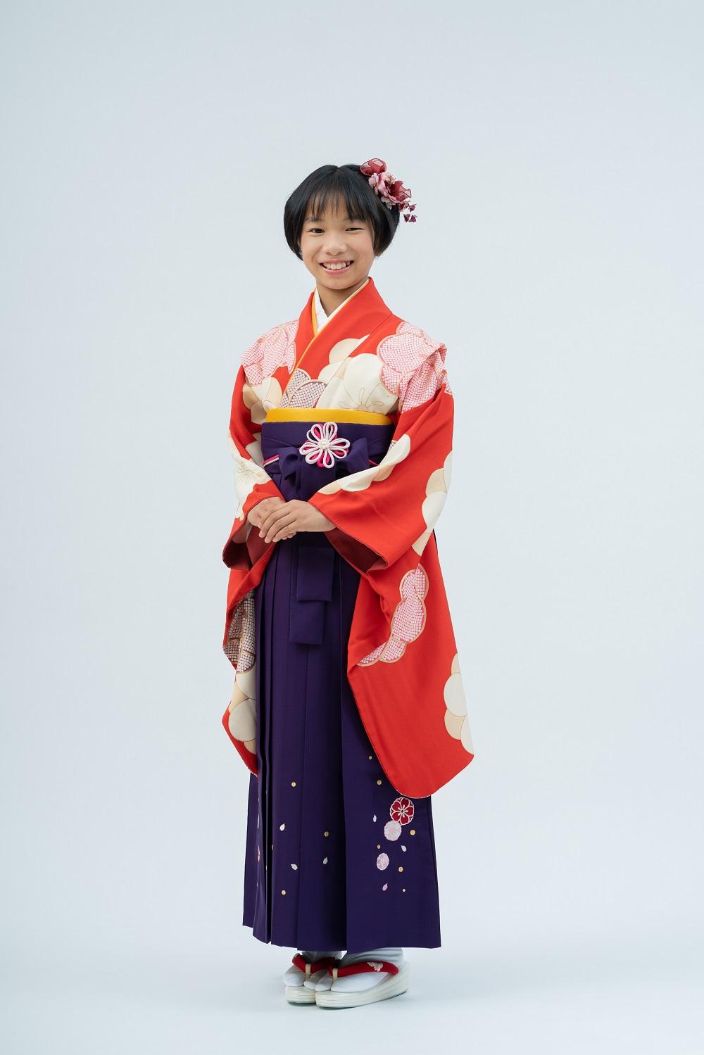 【小学生卒業式袴レンタル】赤色 ねじり梅柄 正絹(シルク) 二尺袖 (品番:S-1203)