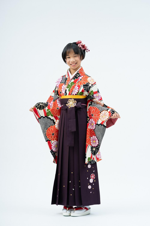 【小学生卒業式袴レンタル】赤色・白色 花柄 ポリエステル 二尺袖 (品番:S-1303)