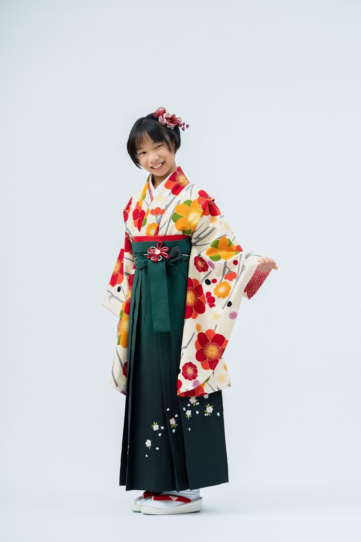 【小学生卒業式袴レンタル】白色・黄色 花柄 ポリエステル 二尺袖 (品番:S-1304)
