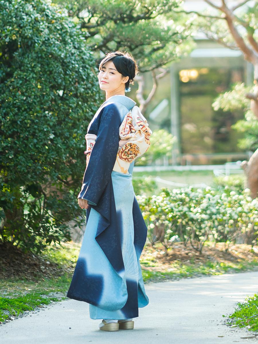 【お洒落でシンプルな高級振袖レンタル・紺色】桜柄のLLサイズ・品番:f-41
