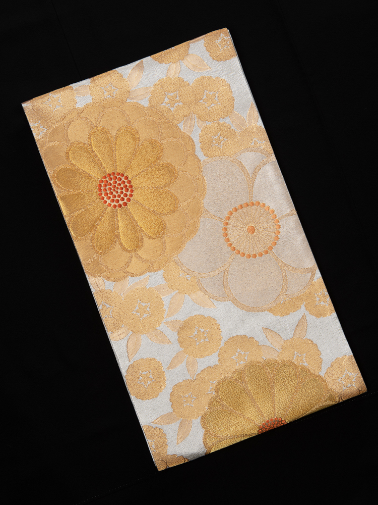 帯清の振袖帯(花柄)