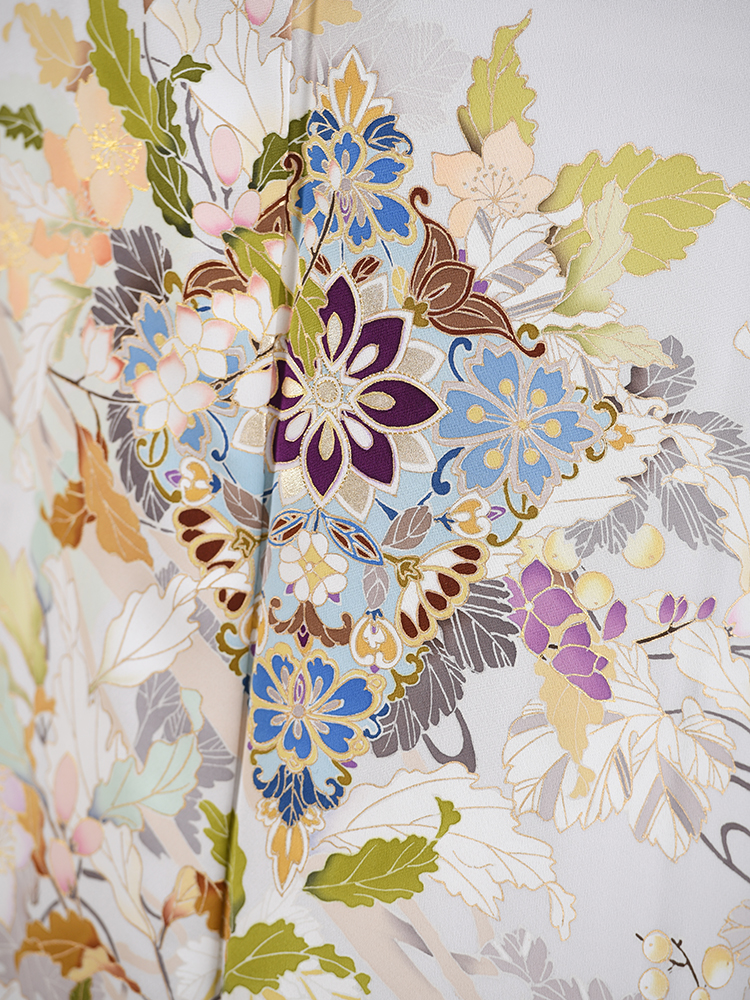 チャペルウエディング向けの色留袖・グレー系の詳細画像その2です。