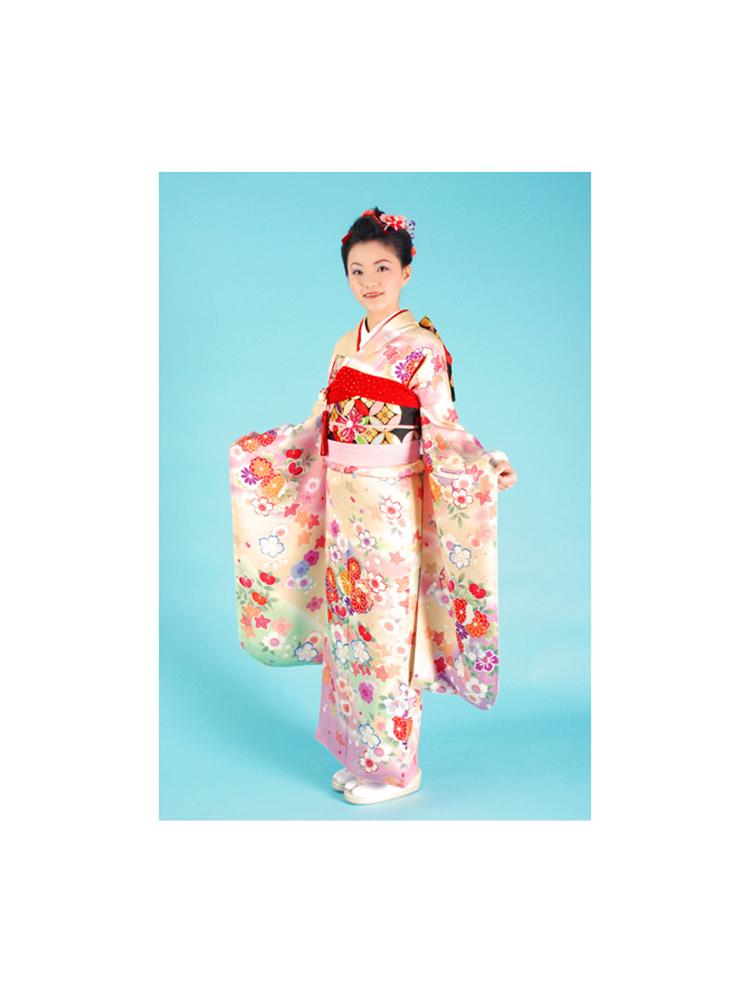 十三参り用の正絹着物レンタル。イエロー&ピンク色を使った可愛い振袖タイプです。