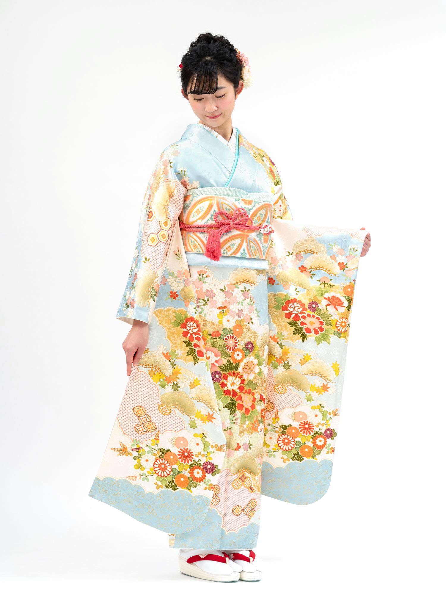 【吉澤織物の高級振袖レンタル】花々の古典柄・水色・Lサイズ 品番K-35