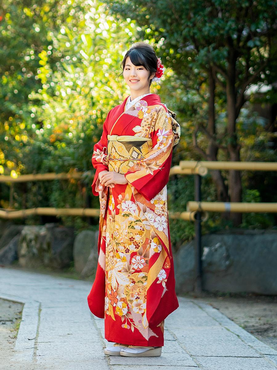 【高級の金駒刺繍振袖レンタル】赤色・豪華花の古典柄・M Lサイズ 品番k-63