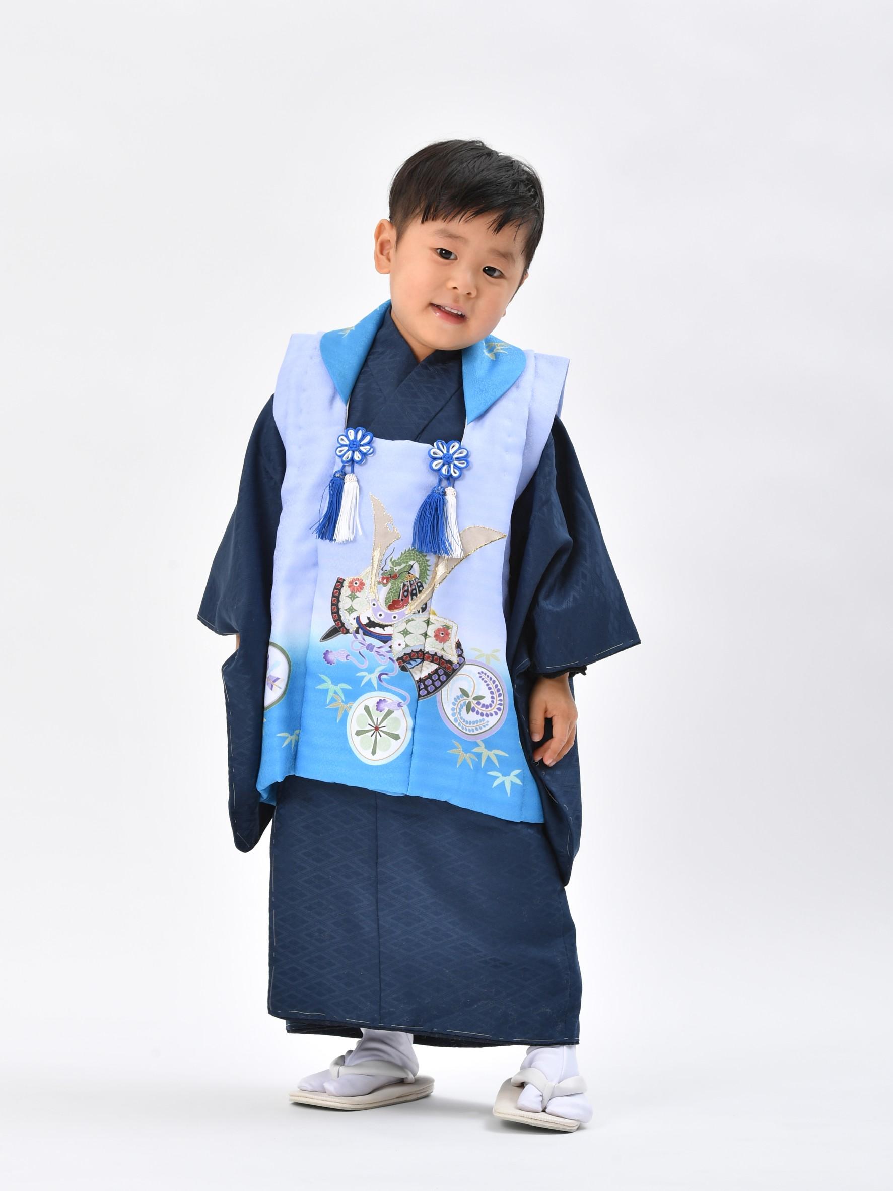3才の男の子(満2歳)がお参りするときの被布です。