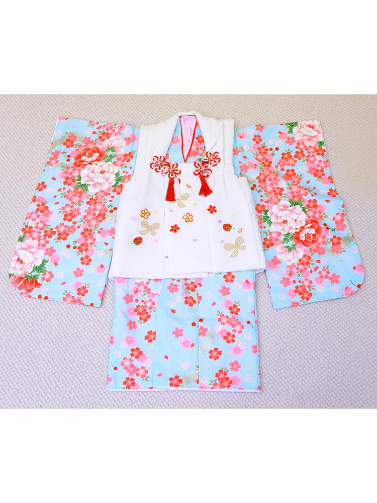 3歳の女の子用被布きものレンタル。白い被布に水色のきもの。