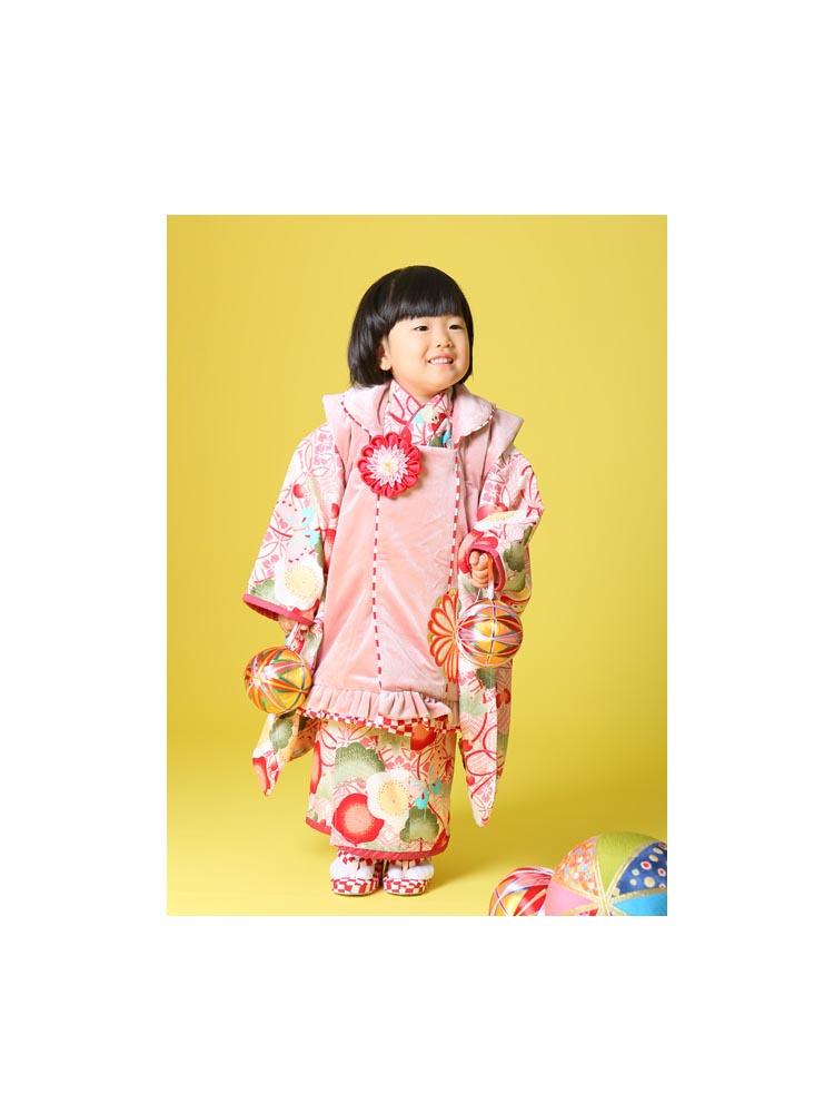 三歳の女の子。被布きものセットレンタルです。