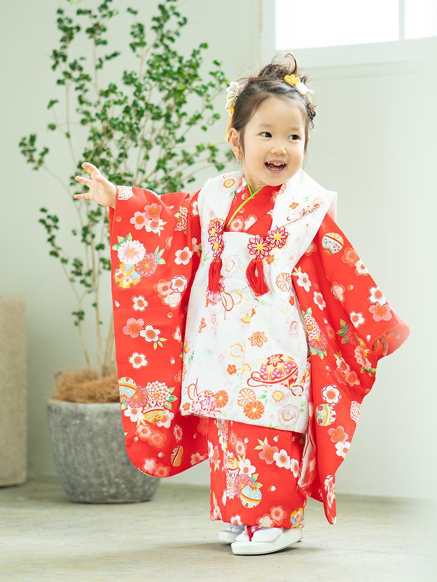 【七五三の着物レンタル】 3歳の女の子用の白い被布と赤いきもの  KD-43番