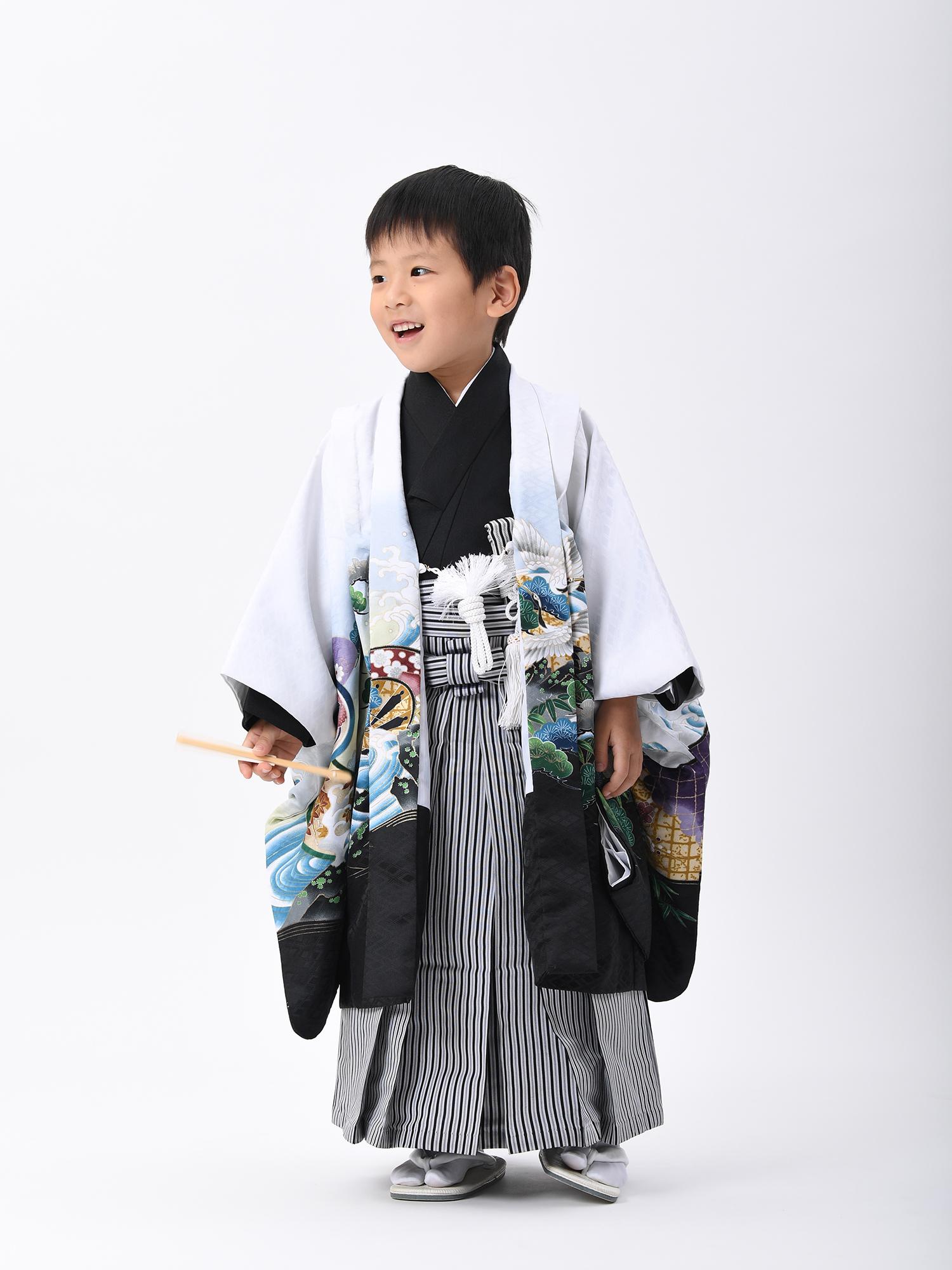 【5歳・七五三の男子着物と袴レンタル】白地に鷹・品番:KD-56
