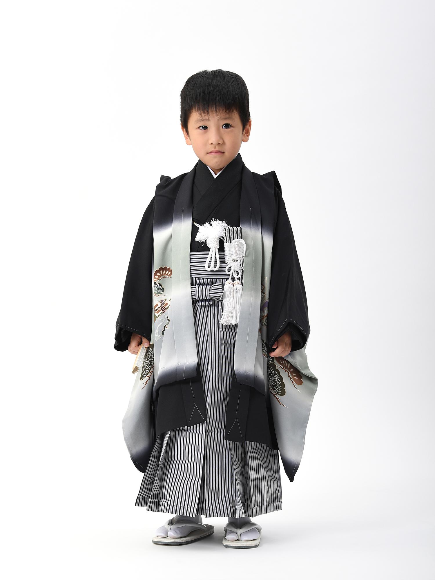 【5歳・七五三の男子着物と袴レンタル】黒にグレー、鷹と宝船柄・品番:KD-57