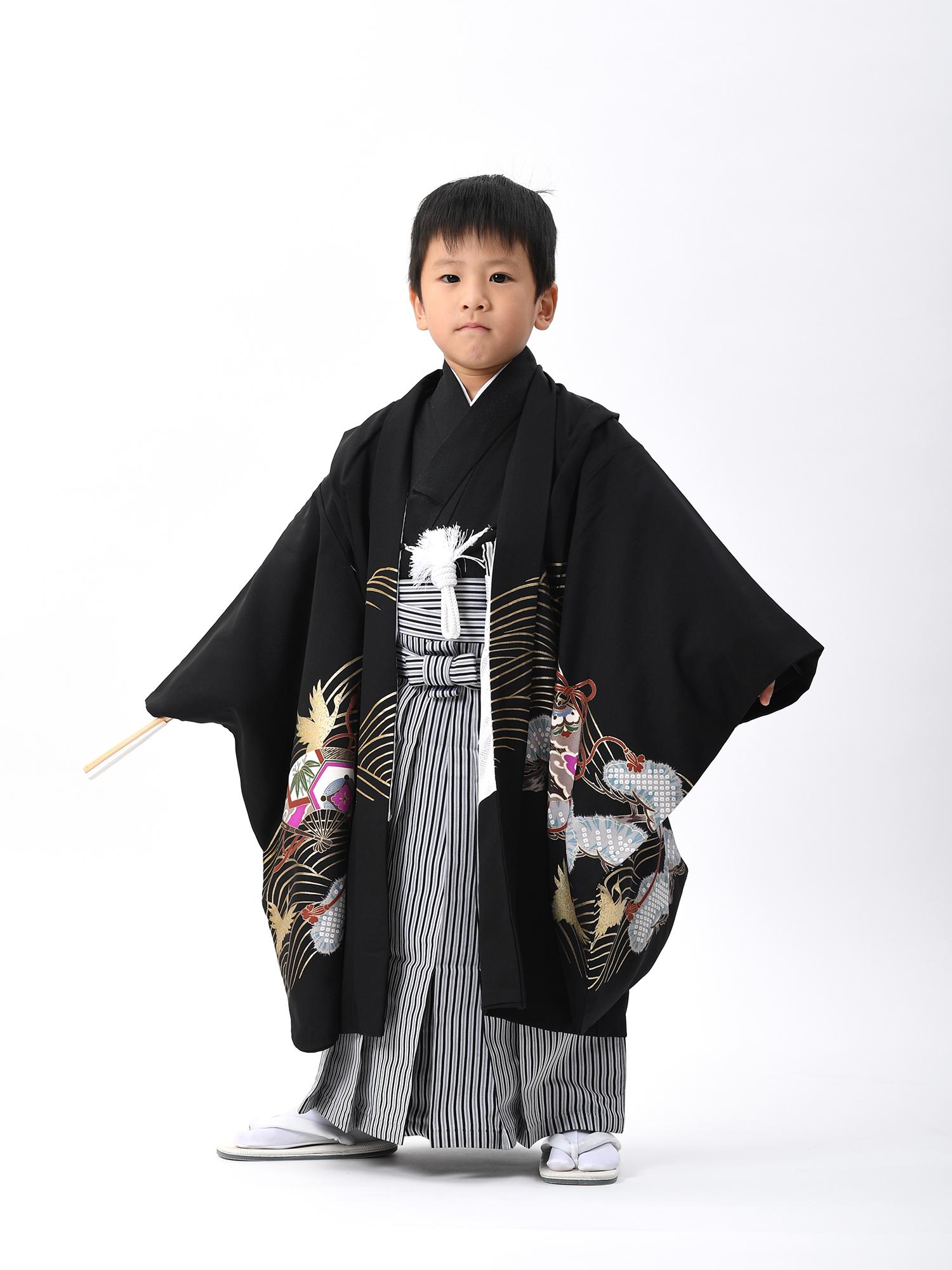 【5歳・七五三の男子着物と袴レンタル】黒地に鷹と松など・品番:KD-59