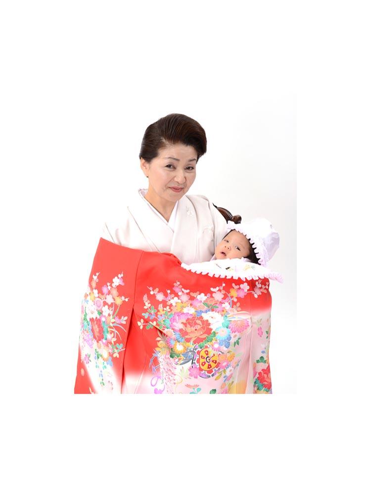 女の子の産着レンタル。京友禅の花柄。