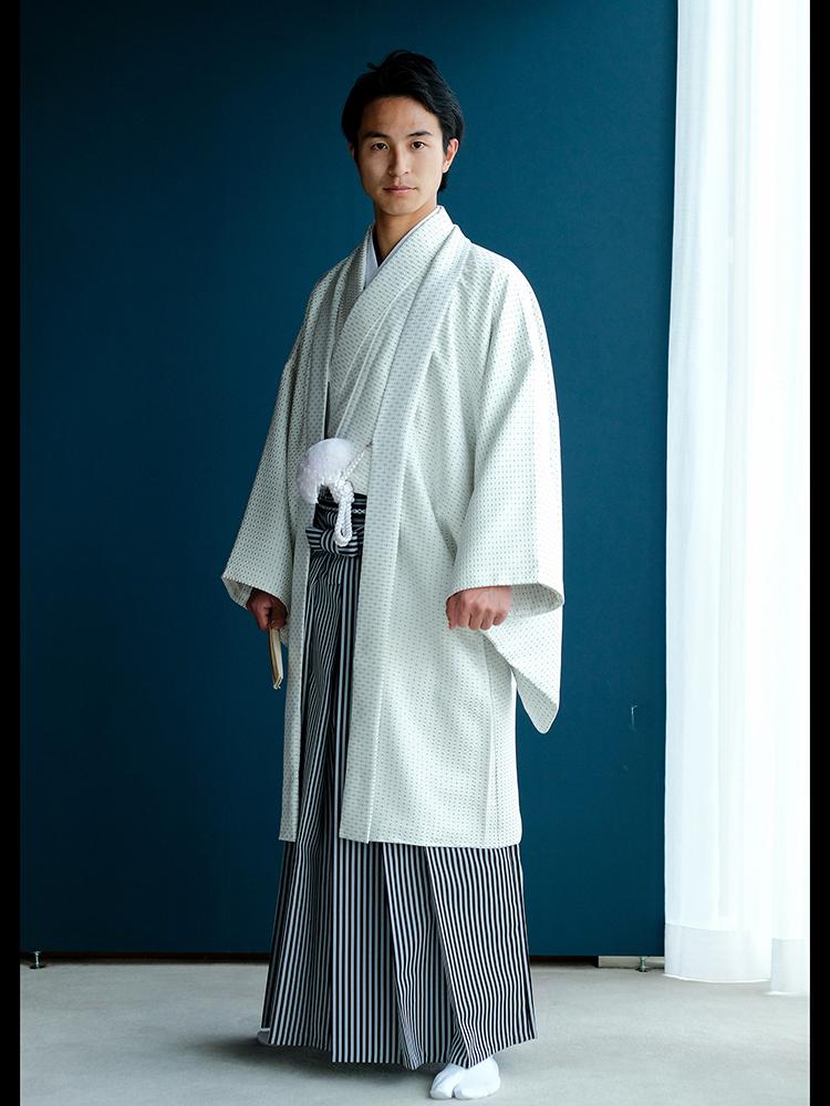 【男性衣装の白色(オフホワイト)の正絹の着物・羽織・袴レンタルフルセット(家紋なし)】LLサイズ