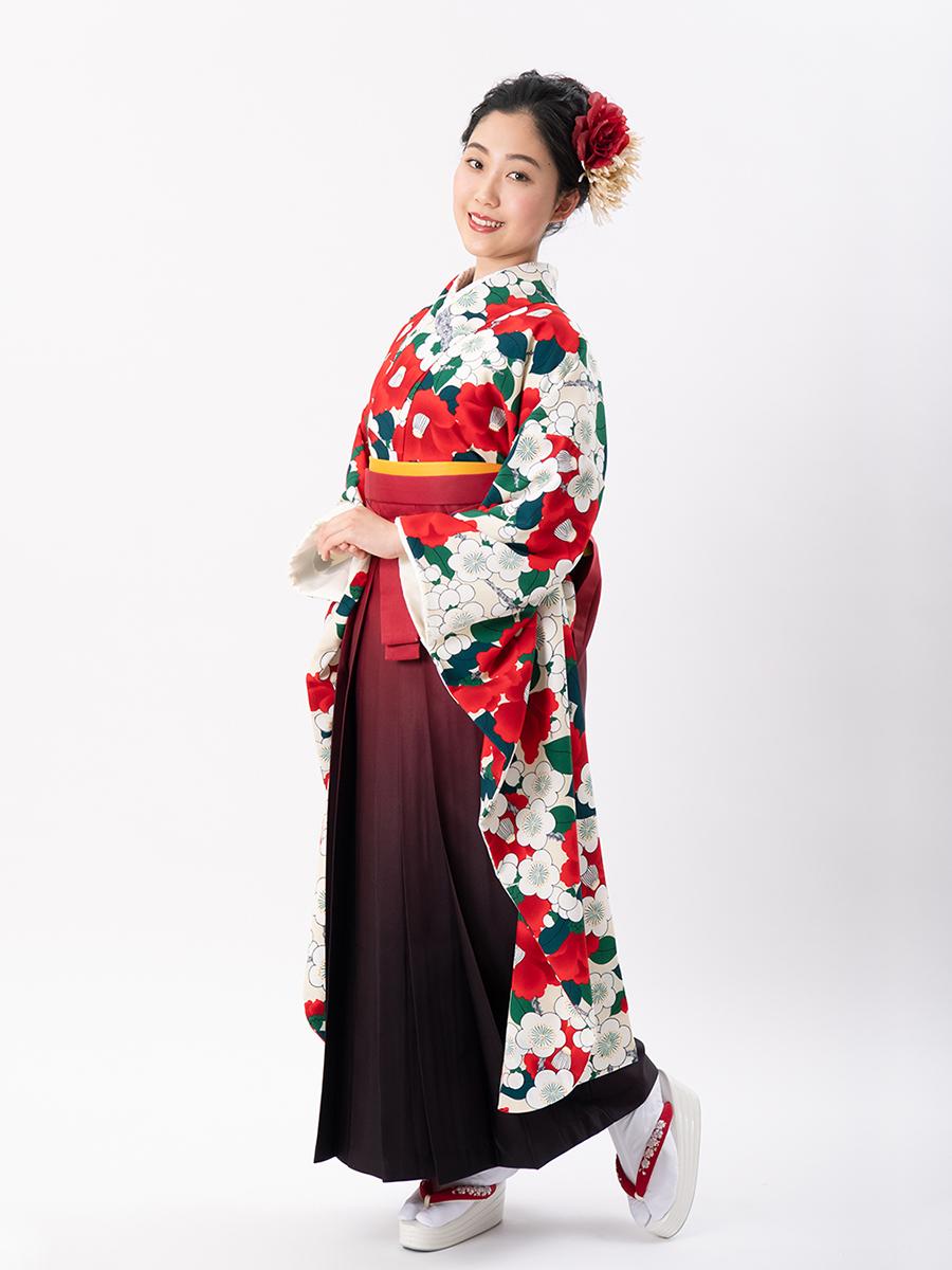 【岡重ブランドの卒業式袴レンタル】okajyu-2 白地に赤い椿と緑の葉 サイズ