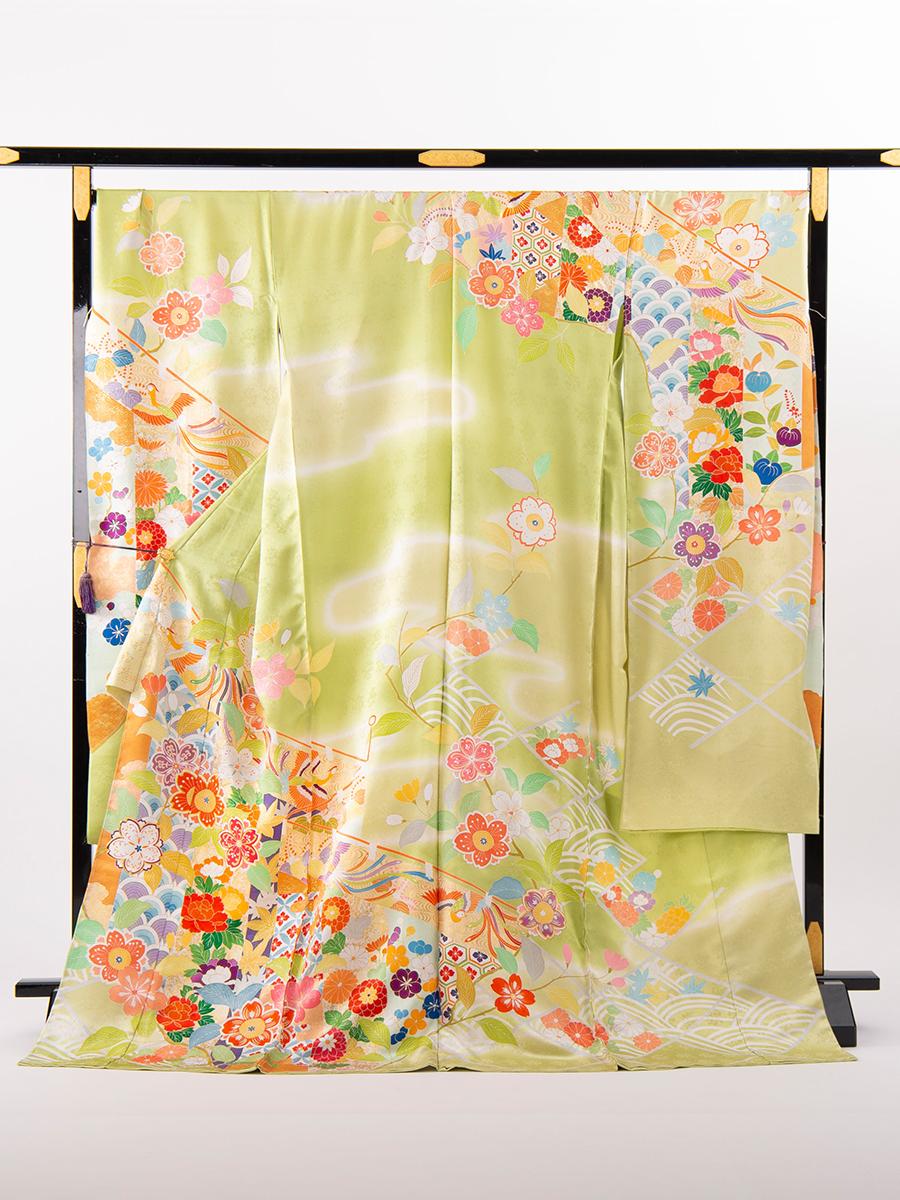 上質の京友禅振袖(黄緑色の古典柄)