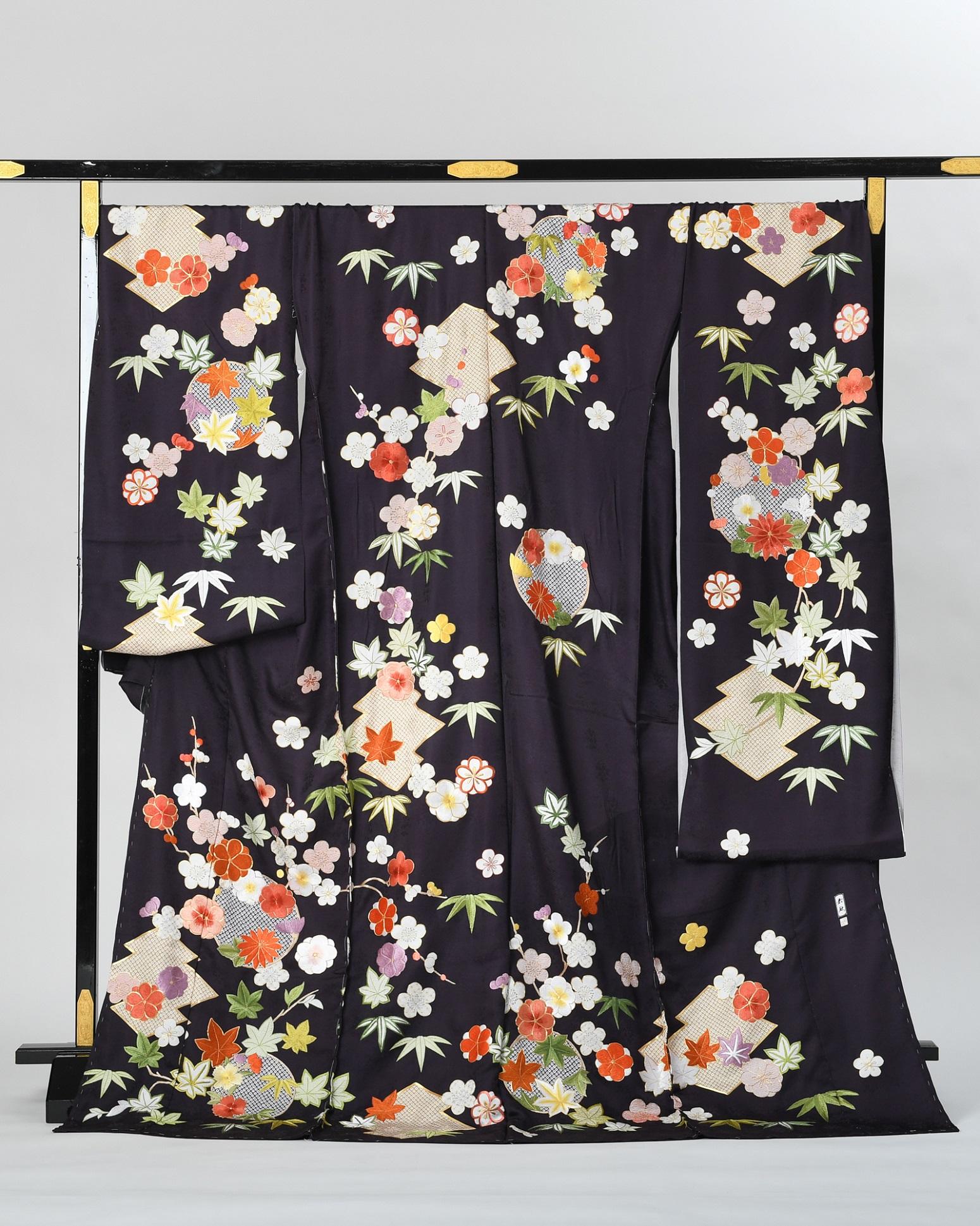 【刺繍の振袖オーダーレンタル】藤娘きぬたや謹製 ・黒・品番sk-55