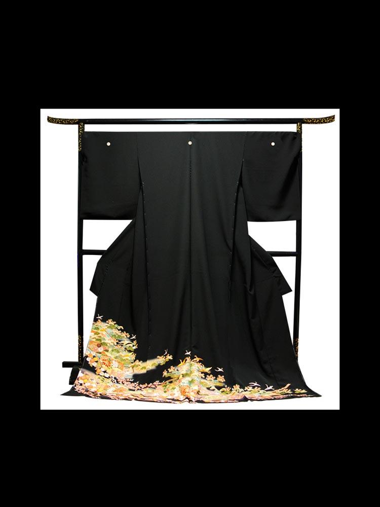 【幅広の高級黒留袖レンタル】t-216 幅広の大きいサイズ・飛鶴と松竹梅の古典柄 MOサイズ