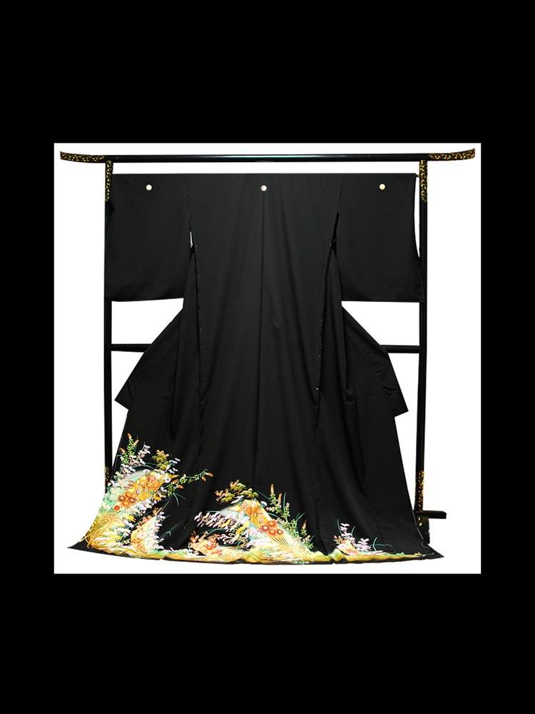 【ふくよかサイズの高級黒留袖レンタル】t-218 幅広の大きいサイズ・扇子と草花 MOサイズ