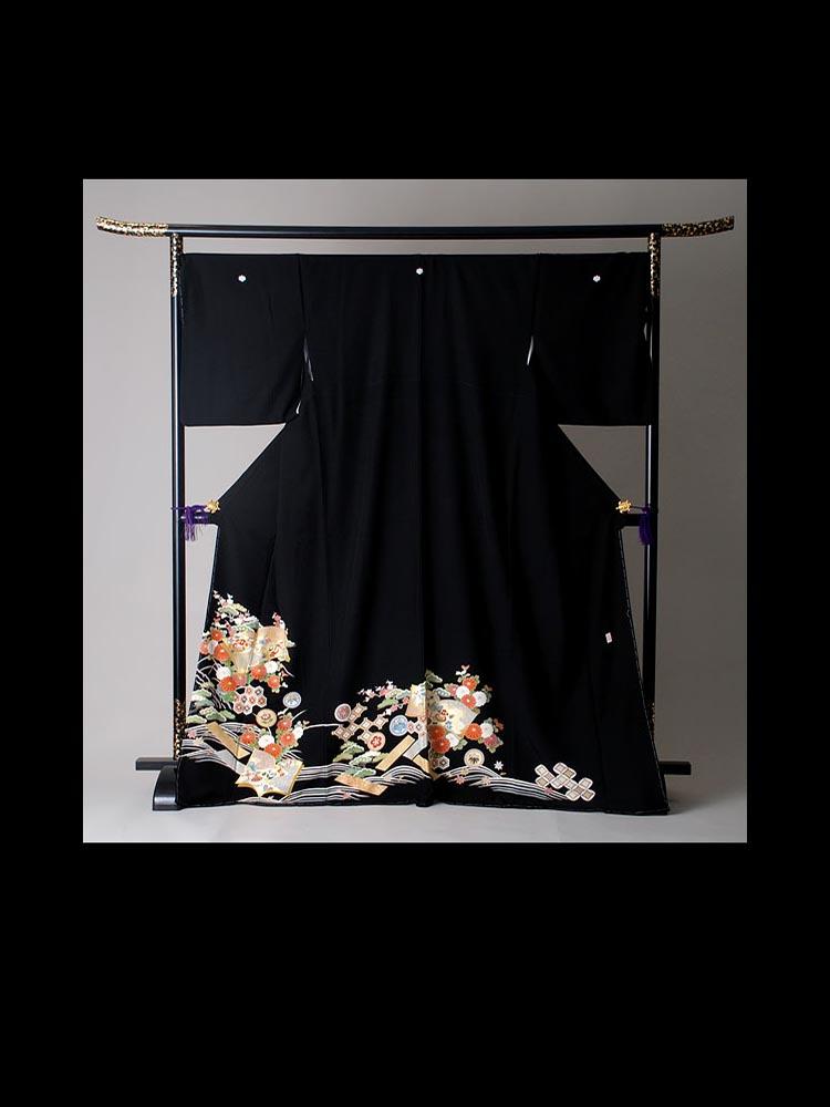 大きいサイズの黒留袖レンタル。品番T-326