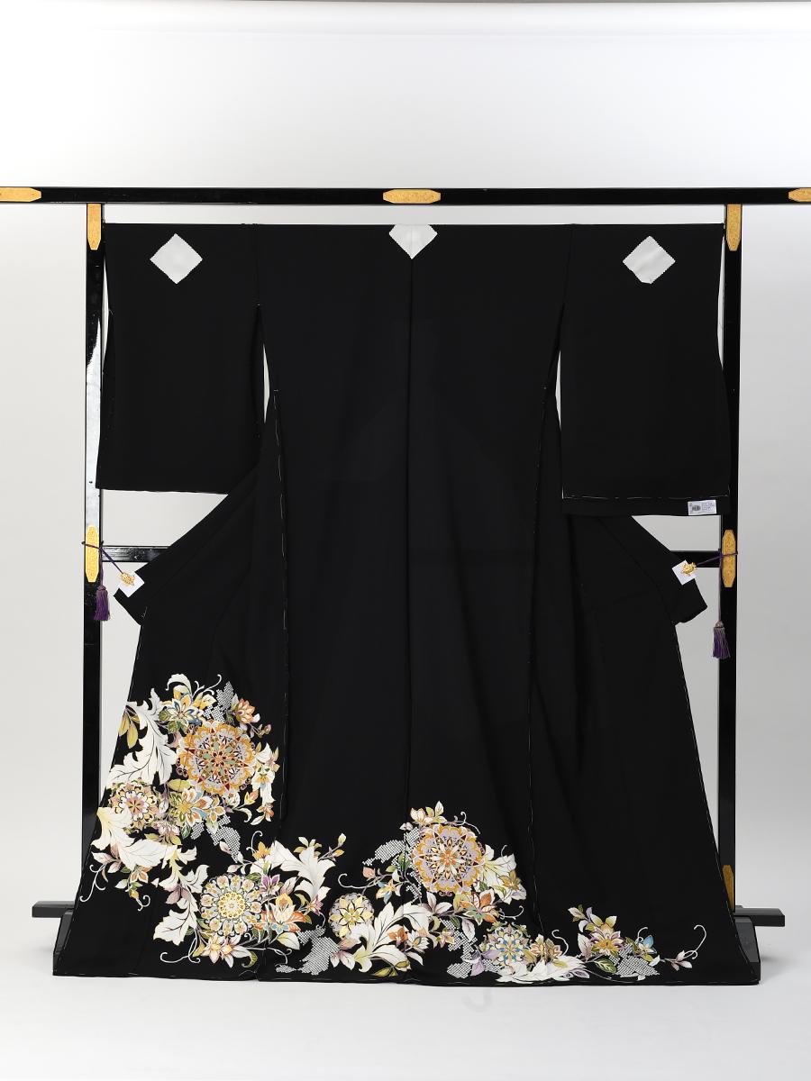 【最高級京友禅の黒留袖レンタル】t-662 ・唐草・洋花文様 Lサイズ(163cm中心)