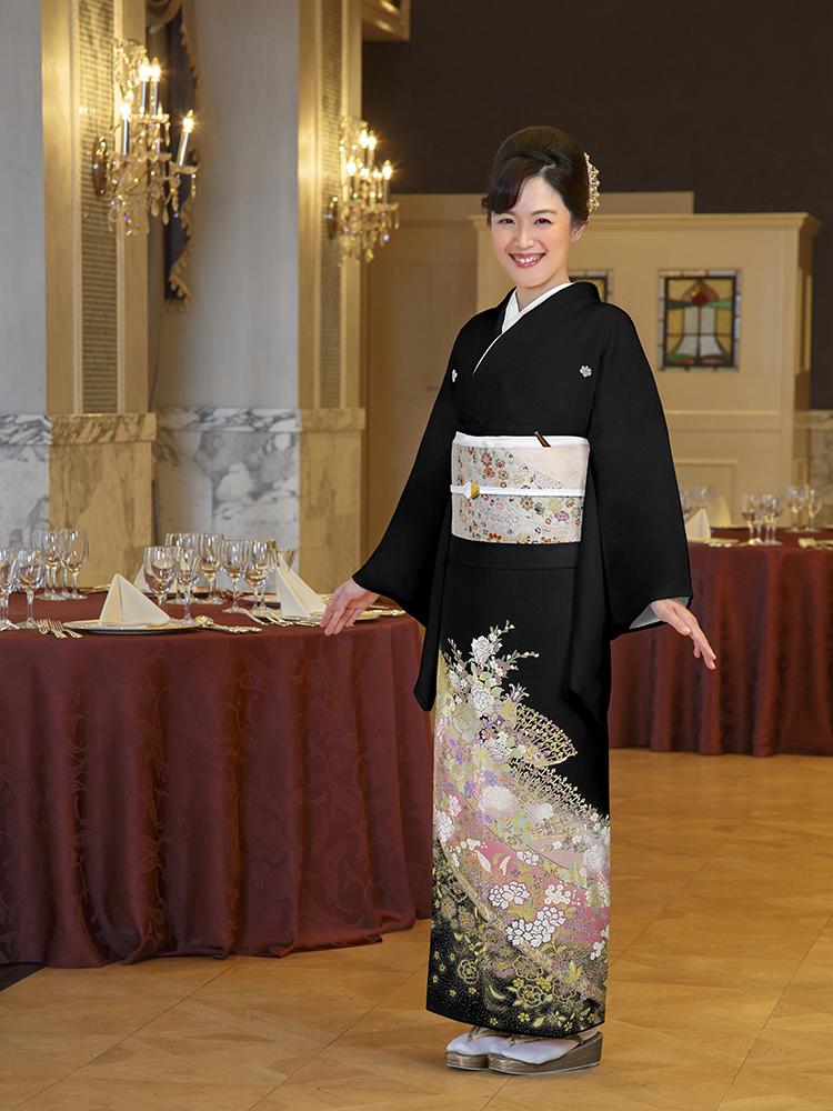 由美ジェンヌの留袖レンタルフルセット商品です。