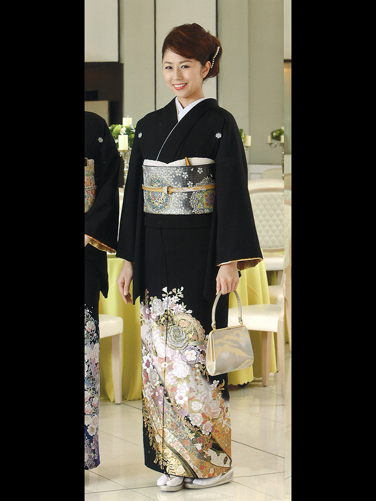 【高級黒留袖レンタル】yumi-katsura-2ML 桂由美ブランドの黒留袖「花の訪れ」 MLサイズ 薔薇・レース文様