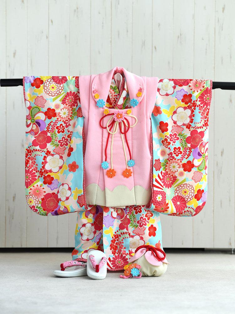 3歳の女の子。ピンクと水色の着物レンタルです。