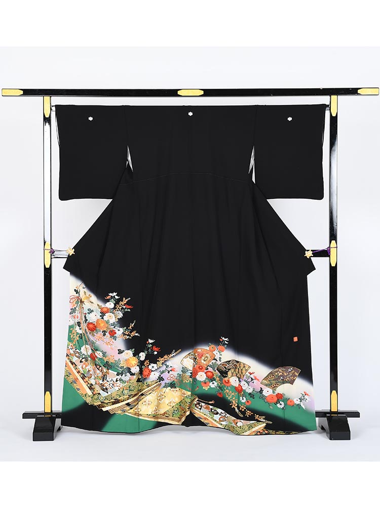 【高級黒留袖レンタル】kansai-5 山本寛斎ブランド・地紙に小花 MLサイズ 地紙