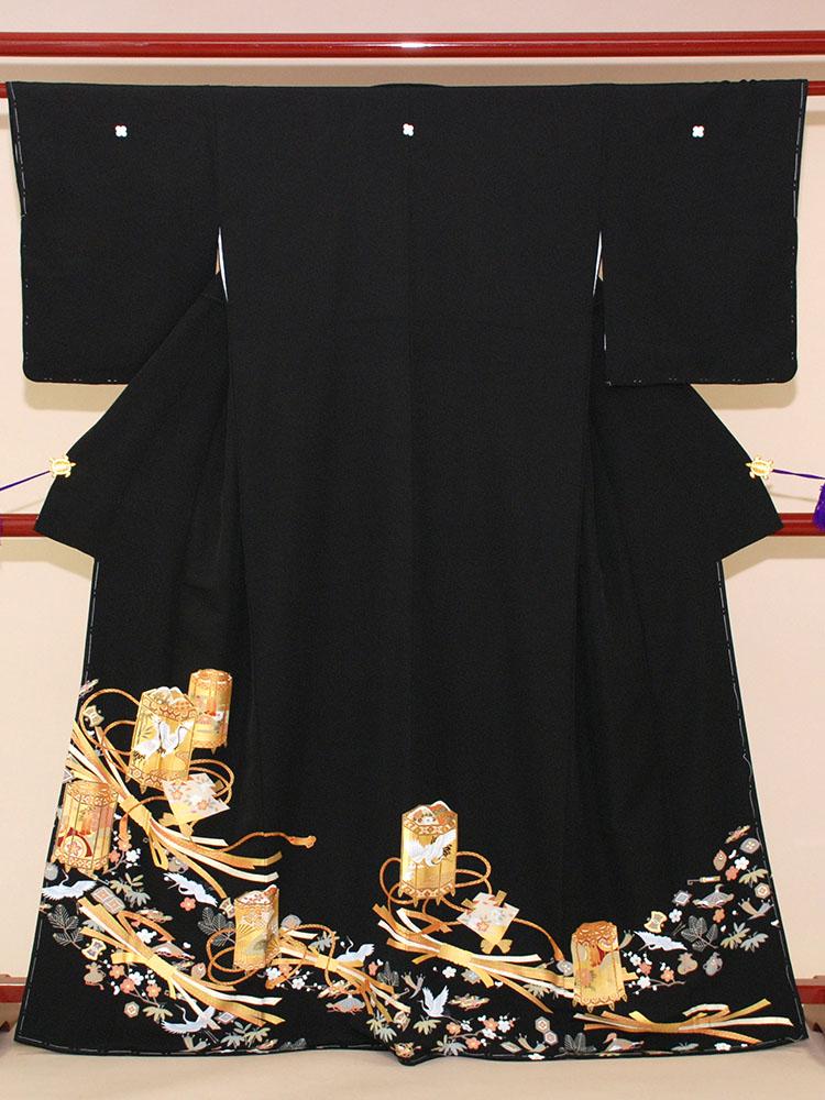 【高級黒留袖レンタル】t-205 吉祥器物文 MSサイズ 器物文様