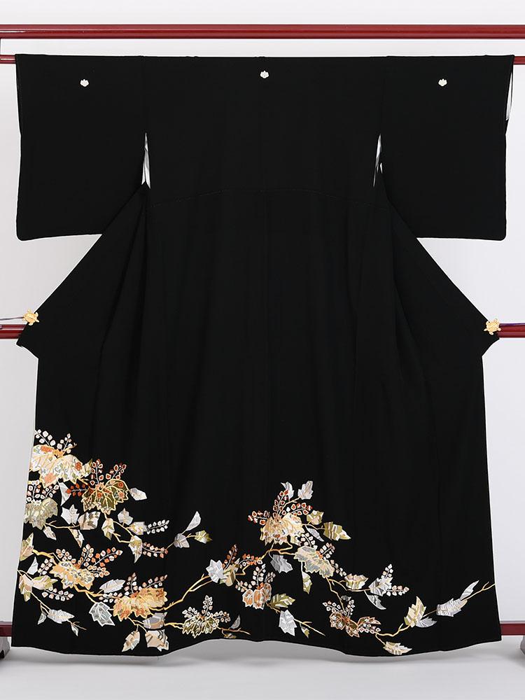【高級黒留袖レンタル】t-412 総刺繍・桐 Sサイズ 総刺繍・桐の柄