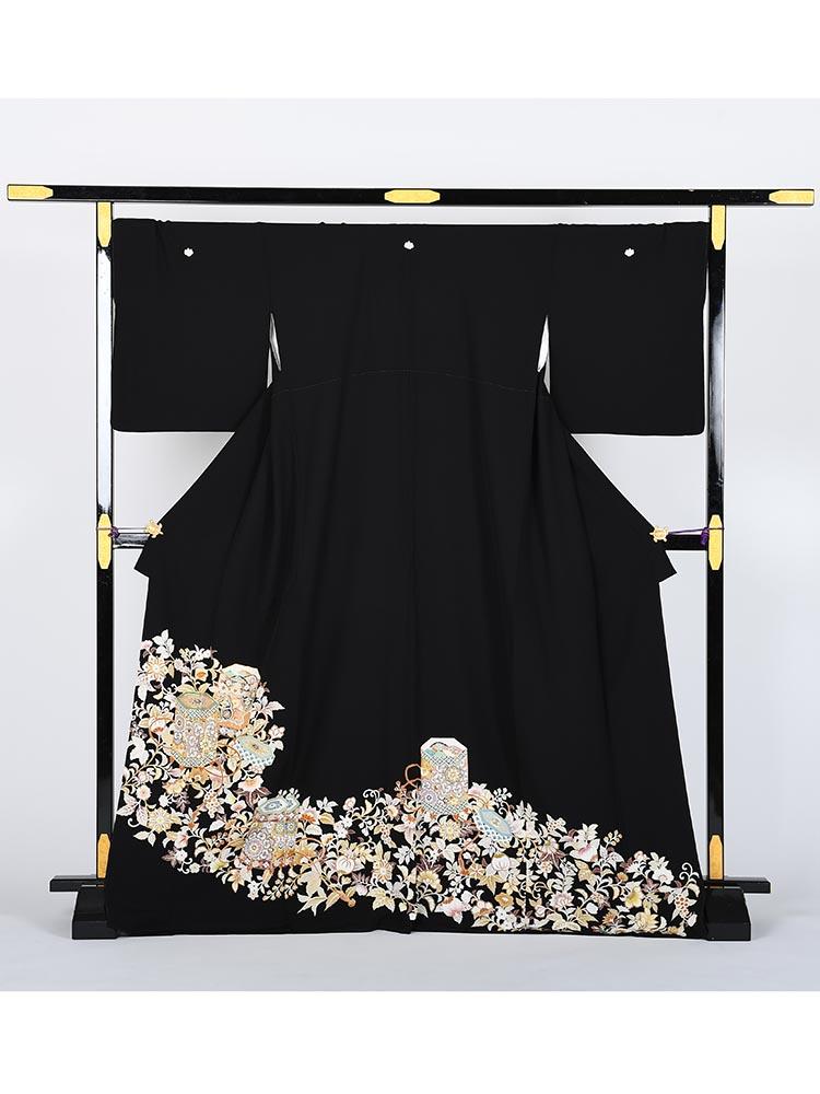 【高級黒留袖レンタル】t-433 琳派・十日町友禅・貝桶柄のLLサイズ LLサイズ 貝桶・唐花