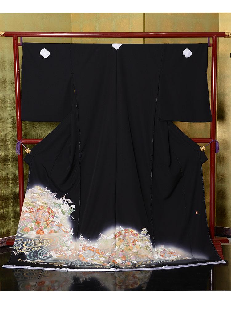 【高級黒留袖レンタル】t-455 背が低くてふくよかサイズ SSOサイズ 流水に花々