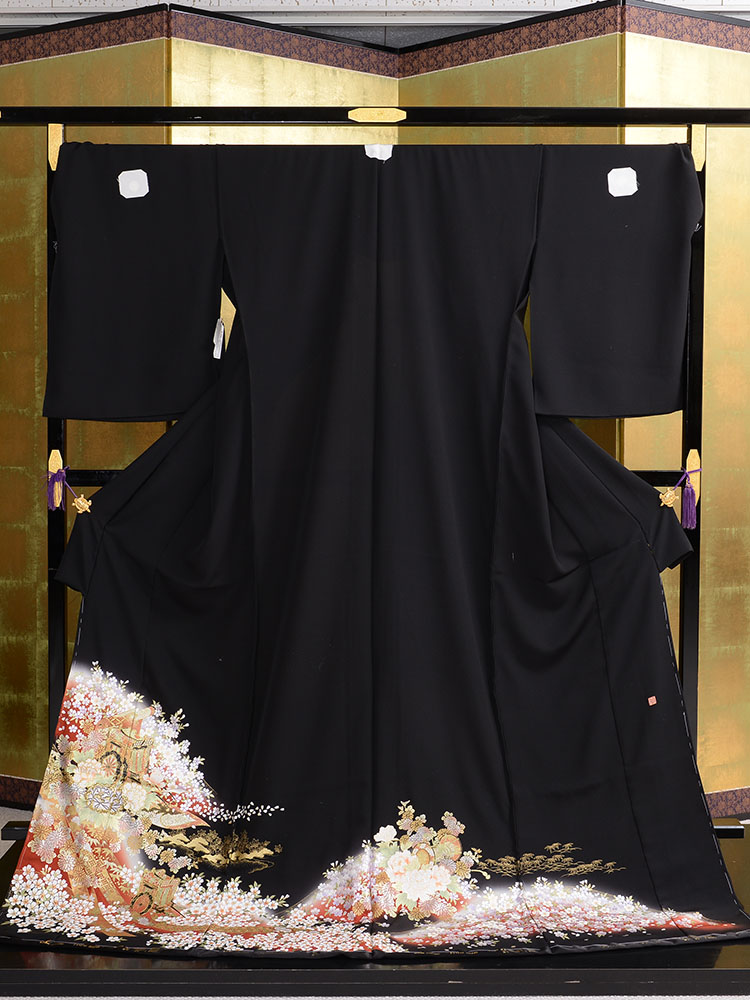 【大きいサイズ・高級黒留袖レンタル】t-460 桜と御所車の幅広黒留袖 LOOサイズ (ヒップ120cmまで)