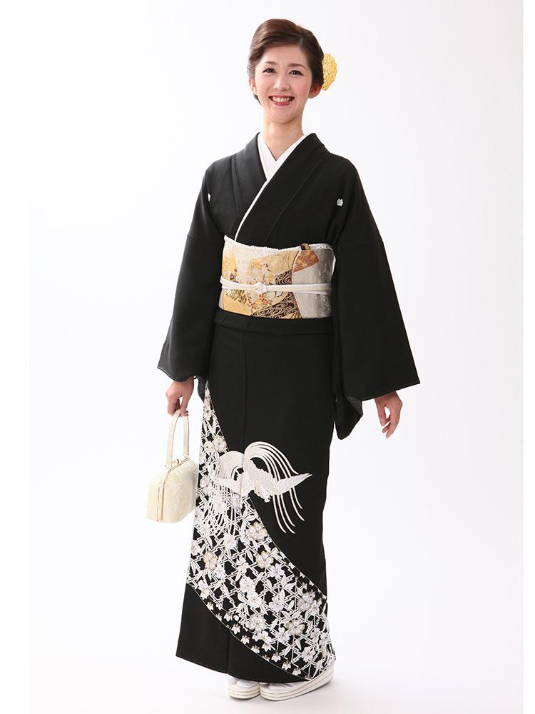 【高級黒留袖レンタル】t-603 山口美術織物謹製・鳳凰柄の総刺繍 LLサイズ 総刺繍・鳳凰と桜