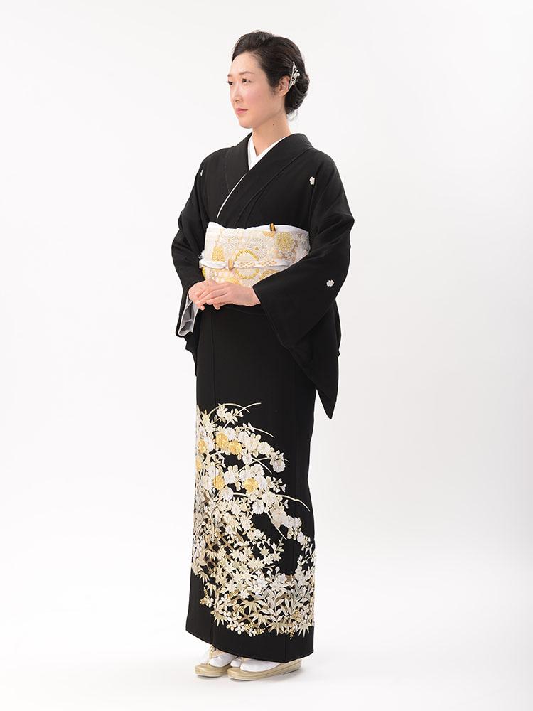 【高級黒留袖レンタル】t-612 豪華な菊の柄の総刺繍 LLサイズ 秋草の総刺繍