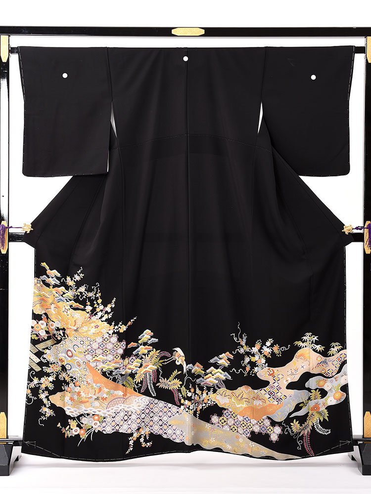 【高級黒留袖レンタル】t-629 小花に道長撮りの高級京友禅 Mサイズ 四季の花と吉祥文様