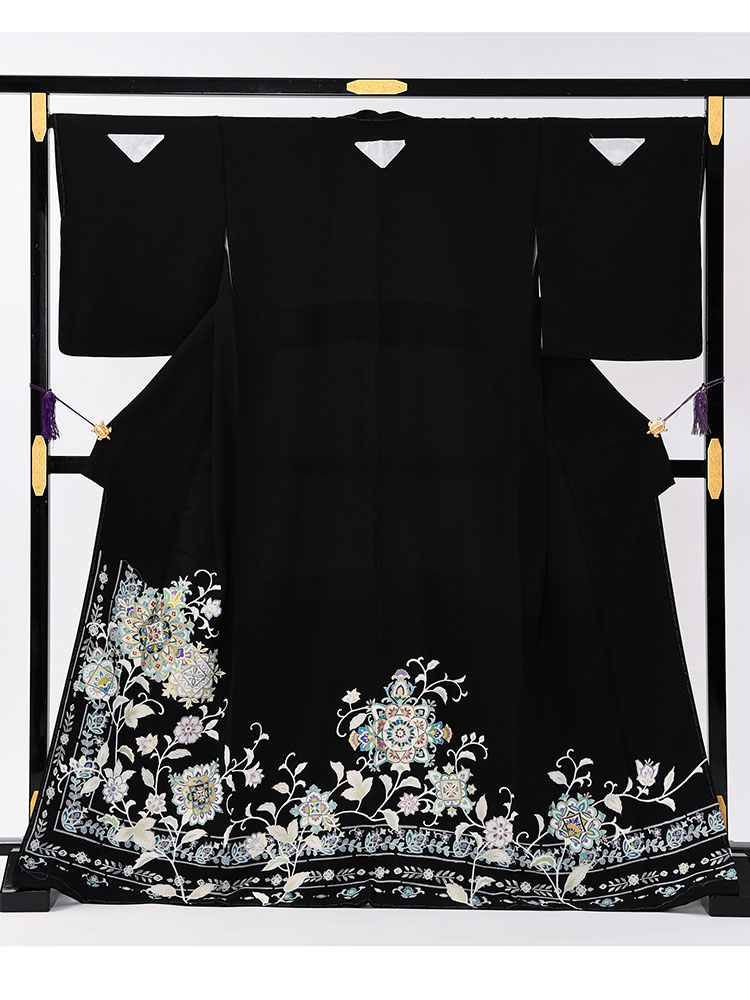 【高級黒留袖レンタル】t-649 チャペル向けのゆったりサイズの高級京友禅・MOサイズ MOOサイズ 正倉院文様