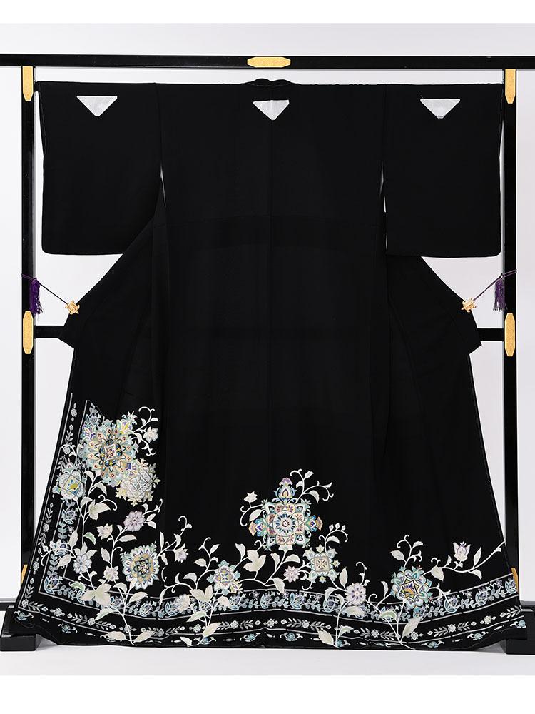 【大きいサイズの高級黒留袖レンタル】t-649 チャペル向けのゆったりサイズの高級京友禅・MOサイズ 正倉院文様