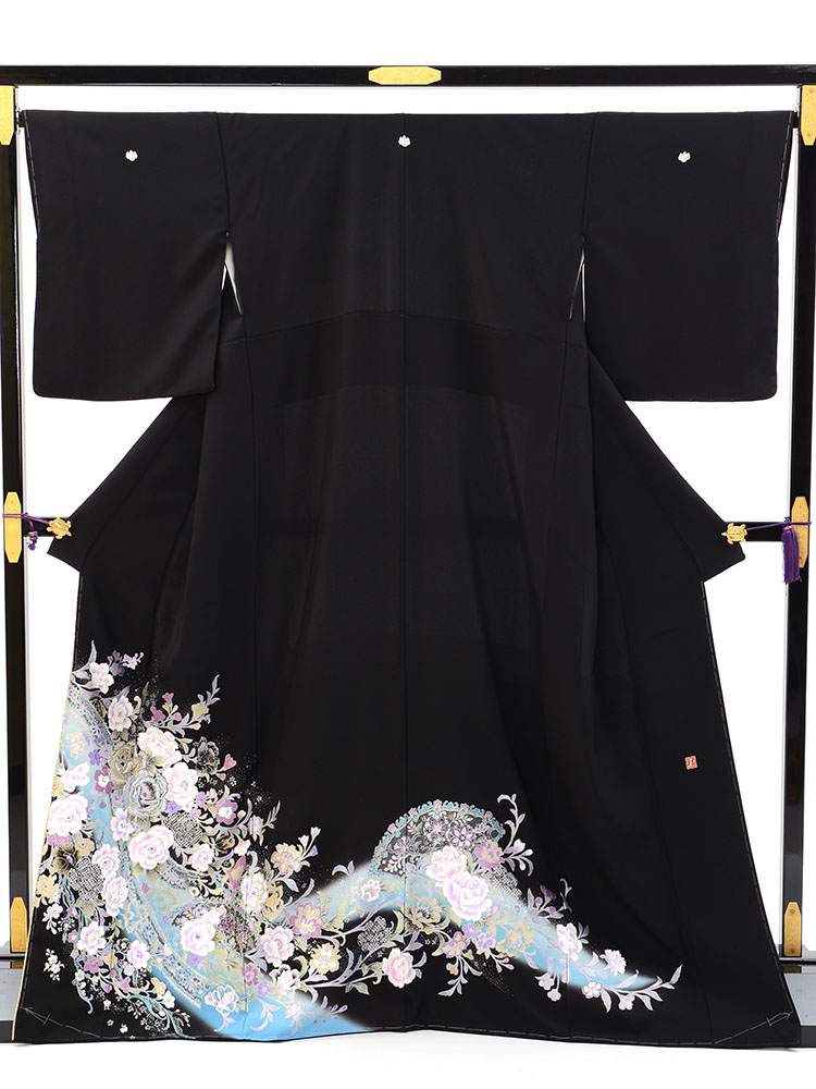 【高級黒留袖レンタル】yumi-katsura-10 桂由美ブランドの黒留袖「チャペルの鐘」 MLサイズ バラ・レース飾り・扇