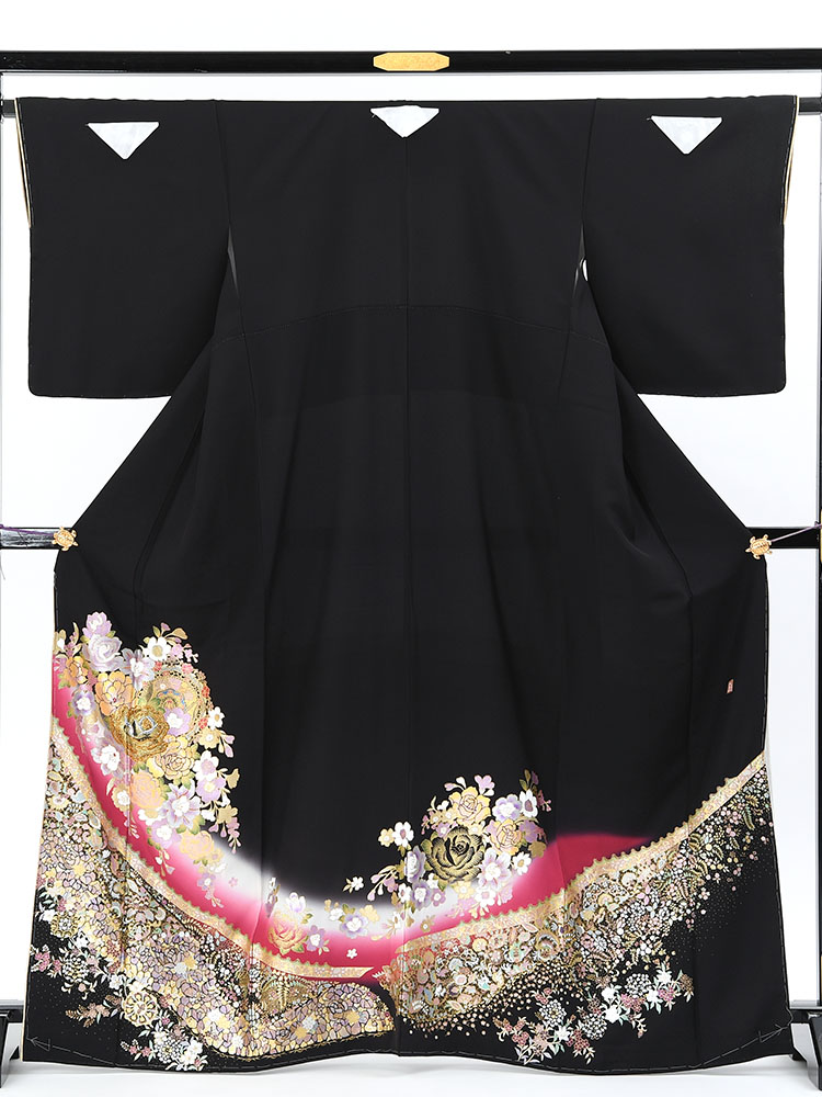 【高級黒留袖レンタル】yumi-katsura-20 桂由美ブランドの黒留袖「花舞曲」 MSサイズ 薔薇の花束